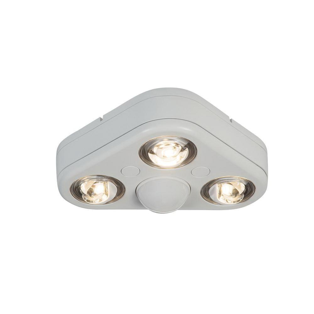 Cooper Lighting Rev32735mw Triple Optics 270 Degree 3 Head